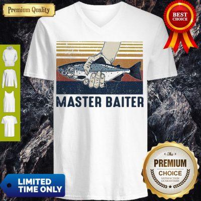 Pretty Vintage Master Baiter Fish V-neck