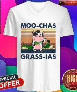 Beautiful Moo Chas Grass Las Vintage V-neck