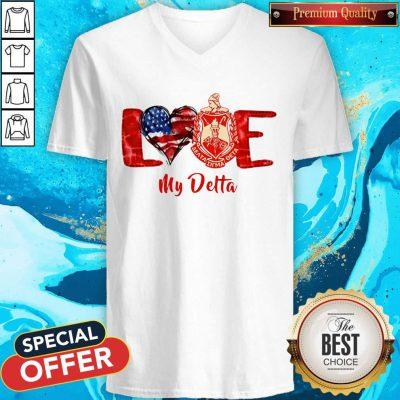 Good Love Heart American Flag Delta Sigma Theta V-neck