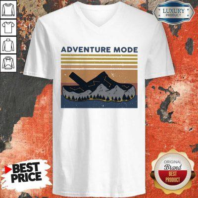 Hot Croc Adventure Mode Vintage V-neck