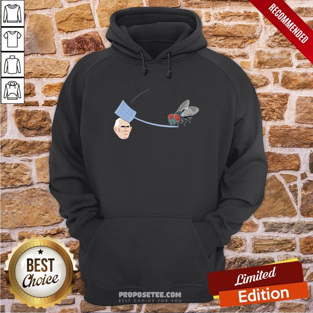 Fly Hits Mike Pence White Swatter Biden Harris 2020 Hoodie- Design By Proposetees.com