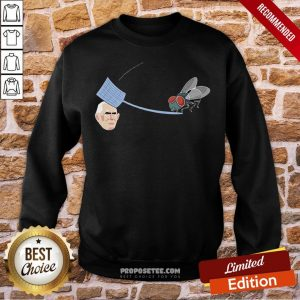 Fly Hits Mike Pence White Swatter Biden Harris 2020 Sweatshirt- Design By Proposetees.com