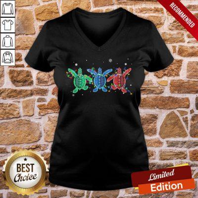 Good Turtles Light Christmas V-neck- Design By Proposetees.com
