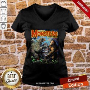 Godzilla Vs King Kong V-neck
